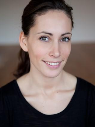 Ayurveda Massage Praktikerin, Kunz Simona, Schenkon